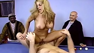 Wide swinger blonde milf